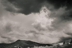 Wenn Sie solche Wolken sehen, ist ein Hagelschaden am Auto gar nicht so unwahrscheinlich.