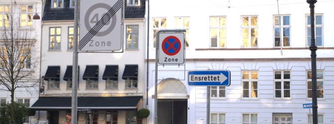 Die Kommune ist für die Einrichtung einer Halte- bzw. Parkverbotszone zuständig.
