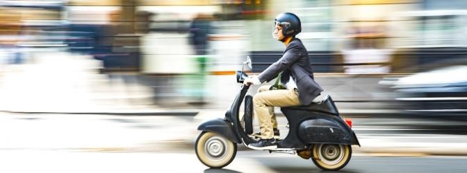 Helmpflicht beim Mofa: Ab wann ist ein Schutzhelm für Kleinkrafträder vorgeschrieben?