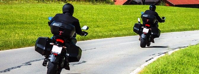 Wann besteht die Helmpflicht beim Motorrad?