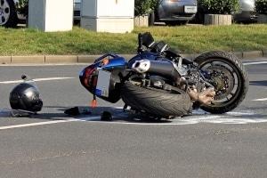 Hitzeschäden auf Autobahnen können zu schweren Unfällen führen.