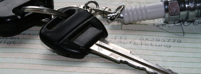 Kann ich ein Auto anmelden, ohne einen Führerschein zu haben?