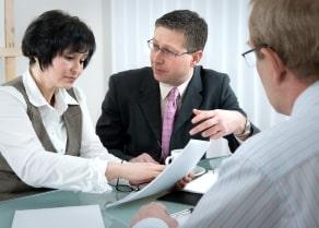 Wenn es um die Kfz-Versicherung geht, wird Ihr  Versicherer Sie auf die Option eines Rabattschutzes aufmerksam machen.
