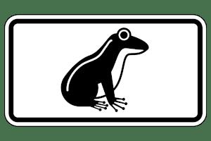 Auf die Krötenwanderung wird per Schild hingewiesen.