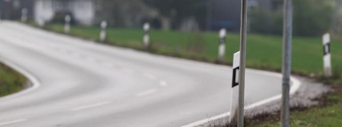 Sie gefährden nicht nur sich selbst, sondern auch andere Verkehrsteilnehmer, wenn Sie eine Kurve schneiden.