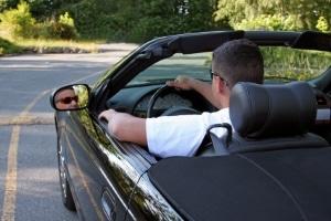 Mit dem Kurzzeitkennzeichen können Sie Fahrzeuge überführen.