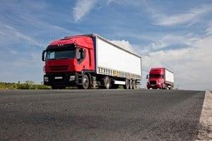 Die kraft- und die formschlüssige Ladungssicherung können beim Lkw miteinander verbunden werden.