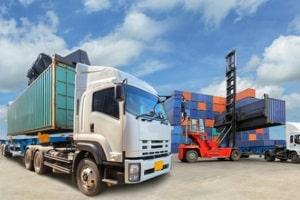 Kenntnisse über geltende Ladungssicherungsvorschriften sind für alle an der Verladung Beteiligten verpflichtend.