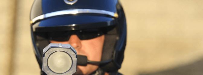 Für die Geschwindigkeitsmessung können die Verkehrspolizisten auf Laser und Blitzer zurückgreifen.