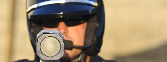 Das LEIVTEC XV3 ist ein digitales Lasermessgerät für den mobilen Einsatz durch Polizeibeamte.