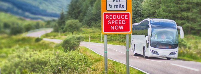 Linksverkehr herrscht auch in Schottland.