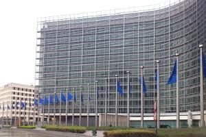 In der EU-Konferenz beschlossen die Verkehrsminister für Lkw-Kabinen ein Schlafverbot.