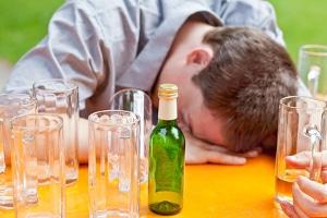 Alkohol am Steuer: Auch der Fahrer eines Lkw muss die Promillegrenze einhalten.