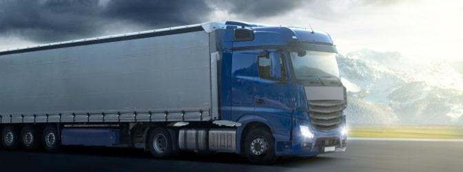 Lkw-Reifen unterliegen gesonderten Bestimmungen, die im Vergleich zu Pkw-Regelungen differenzierter ausfallen.