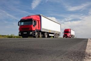 Fährt der Lkw-Verkehr in Zukunft autonom? Noch befindet sich das Platooning in der Testphase.