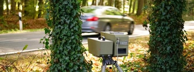 Das M5-Radar kann sowohl aus einem Fahrzeug heraus als auch auf einem Stativ genutzt werden.