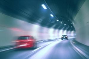 Für einige Tunnel und Brücken fallen Mautgebühren in England an.