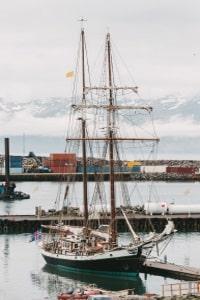 Nur das Meer zu unterqueren, kostet auf einer Strecke Maut in Island.