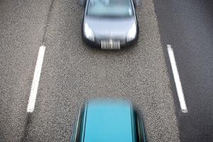 Mindestabstand auf der Autobahn unterschritten: Welches Bußgeld droht?