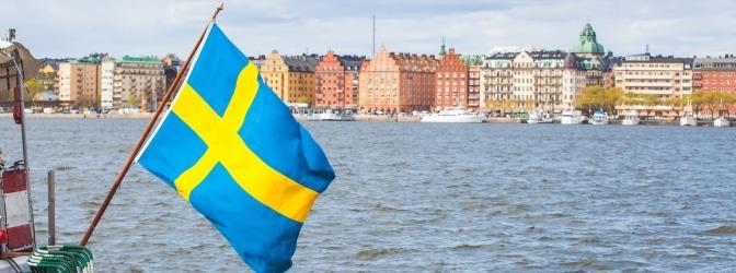 Mit dem Auto nach Schweden: Diese wichtigen Verkehrsregeln sollten Sie kennen!