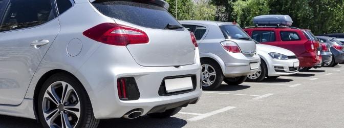 Mit einem Parkschein erwerben Sie für eine bestimmte Zeit die Berechtigung zur Nutzung eines Parkplatzes.