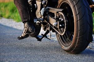 Auch Ihr Motorrad muss zum TÜV. Ansonsten droht ein Bußgeld.