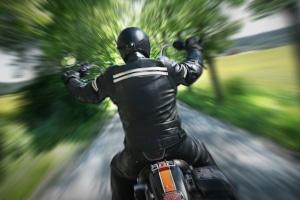 Vorsicht: Motorradfahren im Winter sollte gut vorbereitet werden.