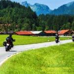 Vor allem bei wärmeren Temperaturen geschieht der eine oder andere Motorradunfall ohne Schutzkleidung.