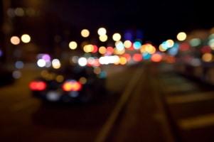 Um die Nachtsicht im Auto zumindest beim Parken zu ermöglichen, können Sie sich eine Rückfahrkamera zulegen.