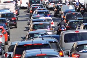 Nötigung im Straßenverkehr ist die Drohung mit einem empfindlichen Übel so wie Drängeln oder Ausbremsen oder die Anwendung von Gewalt.