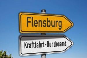 Eine Ordnungswidrigkeit im Straßenverkehr kann zu einem Eintrag in das Fahreignungsregister des KBA führen.