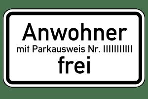 Das Parken auf einem Bewohnerparkplatz ist nur mit gültigem Parkausweis zulässig.
