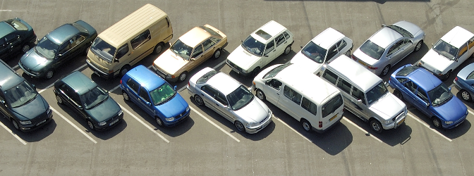 Die Parkraumbewirtschaftung regelt das Parken.