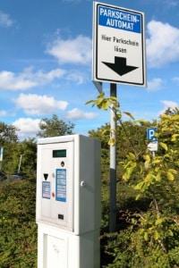 Ist der Parkschein abgelaufen, kann das Kosten verursachen, die deutlich höher als die Parkgebühr sind.
