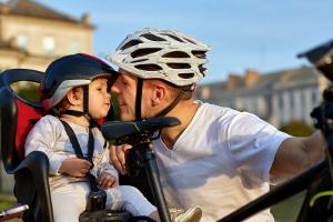 Personenbeförderung mit dem Fahrrad: Die beförderten Kinder dürfen maximal 6 Jahre alt sein.