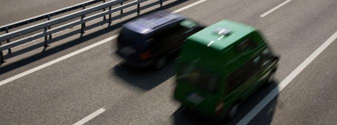 Ein Police-Pilot ermöglicht die Geschwindigkeitsmessung durch Nachfahren.