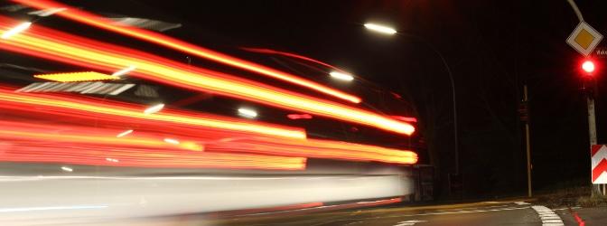 Der mobile Laser-Blitzer PoliScan Speed M1-HP kann Geschwindigkeits- und Rotlichtverstöße erfassen.
