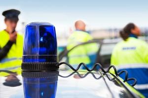 Die Polizei ist beim Unfall nicht immer notwendig. Beim Personenschaden müssen Sie diese aber rufen.