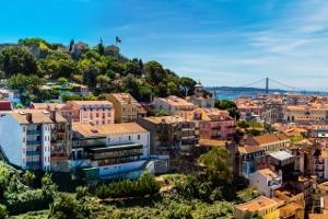 """Machen Sie etwas länger Urlaub in Portugal, kann die Maut mit dem """"Easy-Toll-System"""" beglichen werden."""