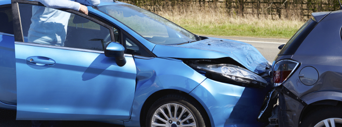 Ist in der Probezeit der Führerschein bei einem Unfall mit Blechschaden direkt weg?