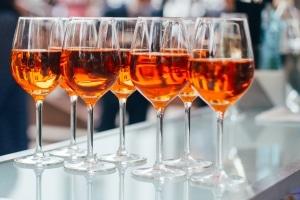 Promillegrenze in Italien: Fahranfänger müssen auf den Weingenuss verzichten.