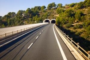 Als Radarfalle ohne Blitz kann der Traffipax auch gut in Tunneln eingesetzt werden.