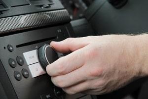 Ansagen im Radio sind als Radarwarner erlaubt.