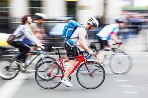 Wenn vorhanden, sind Radfahrstreifen sind laut StVO zu verwenden