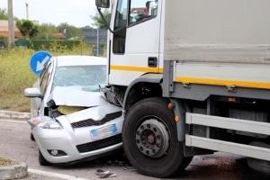 Beim Reaktionsweg spielt der Führerschein keine Rolle - Lkw- und Pkw-Fahrer haben etwa dieselben Reaktionszeiten.