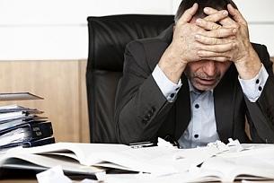 Nicht verzagen! Ein Rechtsanwalt für Schmerzensgeld kann Sie beim Prozess unterstützen.