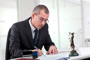 Ein Rechtsanwalt ist bei einer Rechtsberatung zur Verschwiegenheit und Vertraulichkeit verpflichtet
