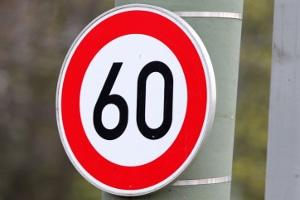 Die Reifenkennzeichnung C ist an Fahrzeugen zu finden, die maximal 60 km/h fahren können.