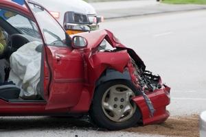 Der Restwert vom Auto nach einem Unfall ist beim technischen Totalschaden hinfällig