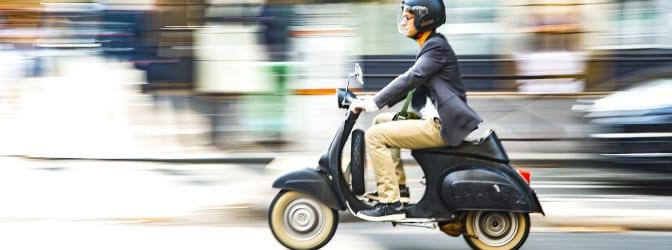 Richtig Roller zu fahren, will gelernt sein. Infos zu den Vorschriften finden Sie hier.